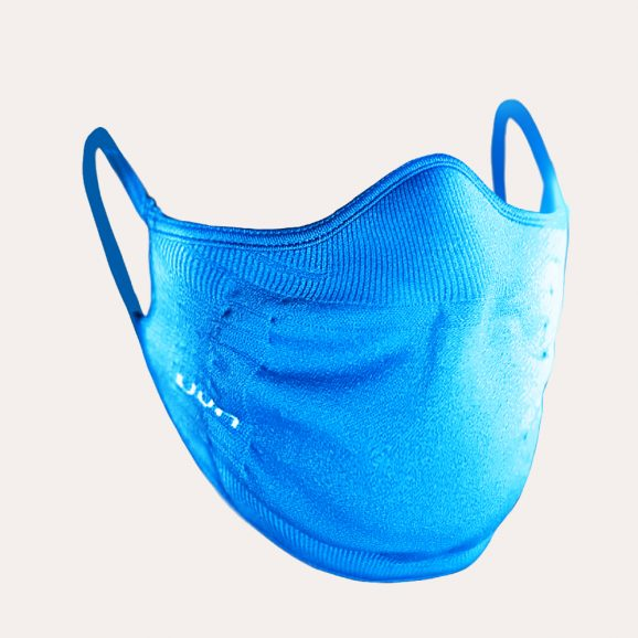 Het UYN® mondkapje past perfect rond mond en neus.