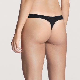 Calida natural comfort string in de kleur zwart.