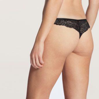 Calida sensual secrets string in de kleur zwart.